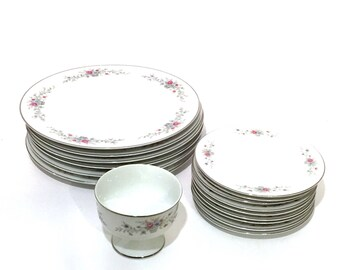 Vintage Fantasia Fine China Dish Set,Florenteen Dinner Plates,Bread & Butter Plates,Sherbet,16 Piece Set,Replacement China