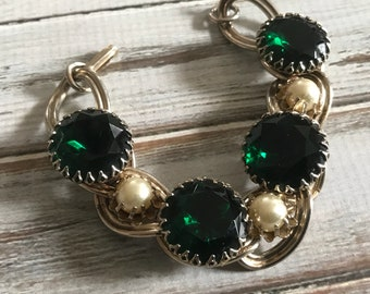 Chunky large emerald rhinestone and pearl bracelet in gold tone metal rare statement bracelet green and cream faux pearl bracelet