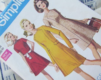 Vintage 1970 Size 38 Inch Sewing Pattern - A-Line Dress, Simplicity No 8491
