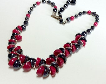 Vintage black and red beaded choker necklace from Western Germany, 15.5 inches long, red and black choker, Western Germany necklace, FRAGILE