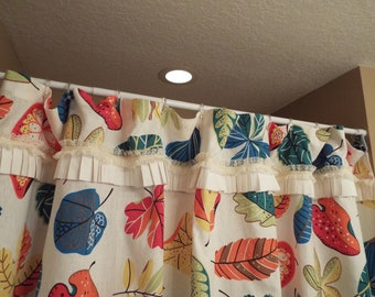Shower Curtain with ruffles