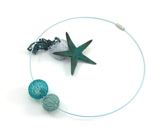 "wire crochet ""BUBBLE"" necklace with two balls in aquatic colours"