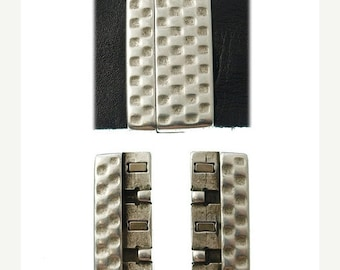 On Sale NOW 25%OFF 40mm Hammered Magnetic Clasp For Up To 40mm Flat Leather Cord - Antique Silver - C1540 - Qty 1