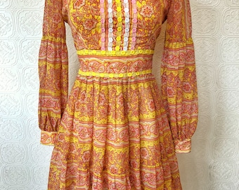1960's Psychedelic Paisley Print Mini Dress