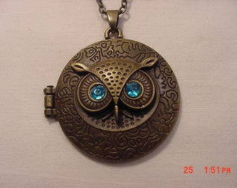 Vintage Owl Locket Like Necklace  18 - 415