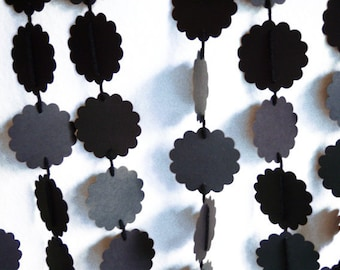 Garland Black on Black 10 ft Adjustable scalloped circles