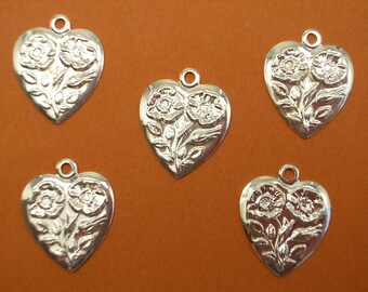 LOT 5 METALS CHARMS Silver: fancy heart 16mm