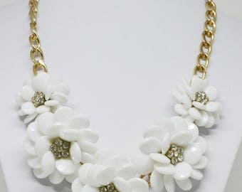 Beautiful large flower shape necklace