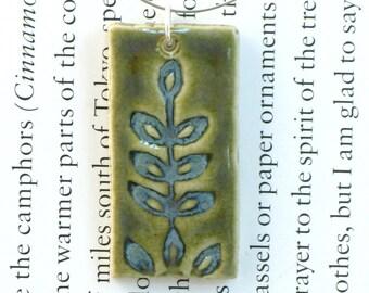 Leaf Ceramic Pendant in Waterlily Green