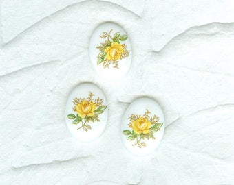 Vintage Opaque Yellow Roses  German Glass Cabochons 4 In Lot 18mm