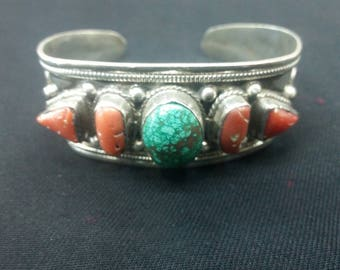 Indian bracelet, coral and lapist lazolite