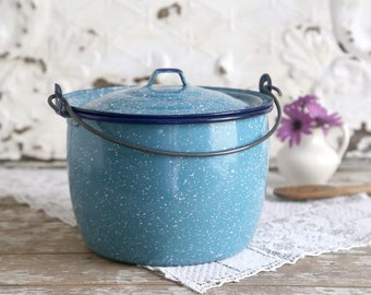 Vintage Blue Enamel Pot, Light Blue Enamelware, Speckled Blue Enamel Pot with Lid, Farmhouse Kitchen Pot
