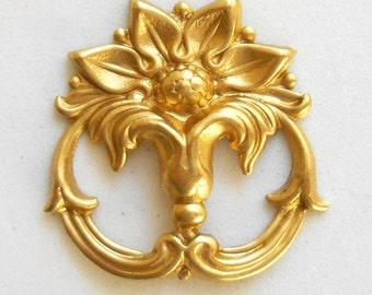 1 raw brass victorian floral connector, ornament, pendant, charm, brass stamping, 26 x 26mm, made in the USA C7401