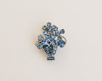 Vintage blue rhinestone brooch, pin in form of vase and flowers with floating wire 3-D construction, possibly Juliana