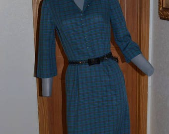 1950s 60s day dress. Plaid blue and green. Straight skirt. VFG small Bust 36. Shirtwaist style.  fitted.