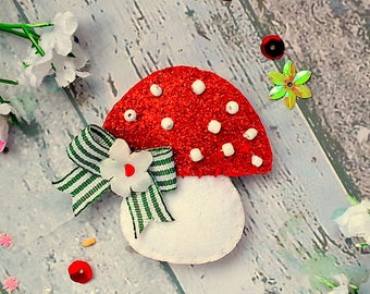 Toadstool Hair clip, Glitter and felt Toadstool hair clip, toadstool hair slide, toadstool Hair tie, toadstool hair bobble, brooch pin