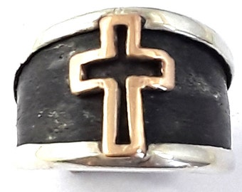 Cross Designed Band 18k Gold lp Oxidized