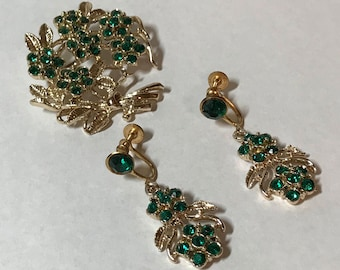 Vintage green pin brooch and earring set