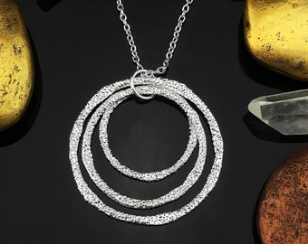 Layered Circle Necklace, Layered Necklace, Circle Necklace, Hammered Silver Necklace, Hammered Silver Pendant, Silver Circle Pendant