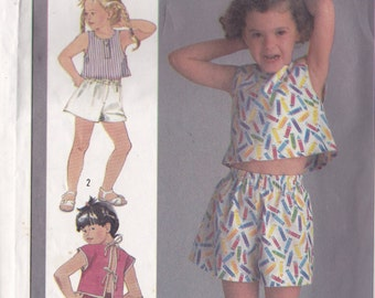 Simplicity 6923 CLEARANCE Vintage Pattern Little Girls Pull On Pants, Shorts, and Top Size 3 and 4
