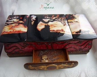 """Original Box """"Gone with the wind"""". Handcrafted"""