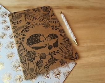 Notebook Handbestempelt with Handgeschnitzen stamps printed hedgehog Autumn Winter forest