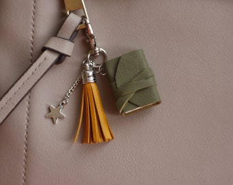 Mini book keychain with inspirational quote. Bag accessory. Tassel keychain. Gift for book lover.