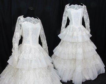 1950s white wedding dress - Lace & Organza - Huge Ruffled Skirt - Sequin Pearl Accents - Sm