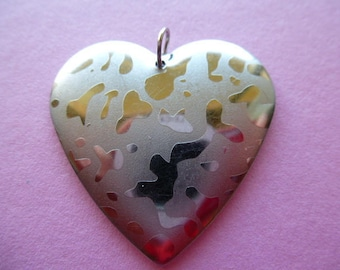 heart 35 mm charm pendant with 2 silver-plated silver highlights