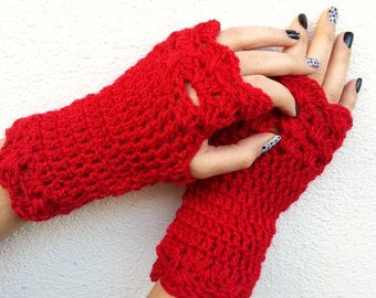 Crochet Fingerless Gloves/Lace fingerless mittens/Cozy wrist-warmers/Women gloves/Valentine's gift/Winter fashion/Gift for her/girlfriend