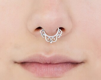 Silver septum ring for non pierced nose. clip Septum Ring. septum jewelry. faux septum ring. septum clip. septum piercing