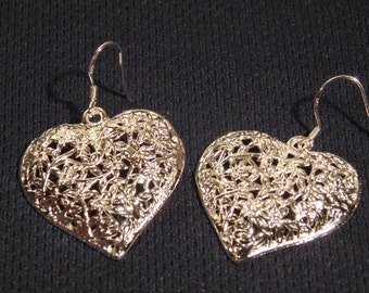 925 Sterling Silver Filigree Hollow Heart Earrings - New - Never Worn - Very Elegant And Stunning - FREE SHIPPING.