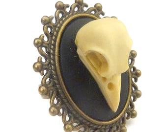 Skull crow raven baroque ring