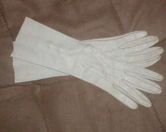 Vintage cream color French Kid Leather dress gloves