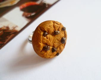 Delicious polymer clay ring - chocolate chip cookie