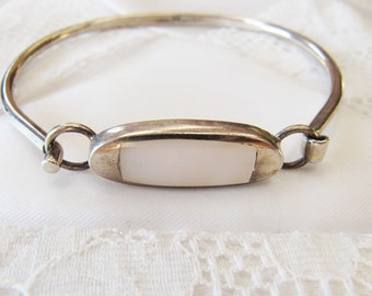 Vintage Sterling Silver and White Mother of Pearl Bracelet, Silver Bracelet with Natural Iridescent Shell, Minimalist Silver Bracelet