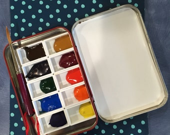 Handmade collectable watercolor travel palette, collectable tin from Hoffman Swiss Made.