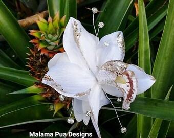 WHITE ORCHID HAIR flower, Holiday headpiece, Bridal clip, hair accessory, Fascinator, silk flower, Headpiece, Wedding Headpiece, Hair Clip