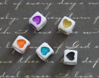 5 beads white cube and colorful heart 7mm