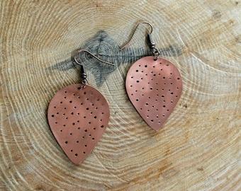 Perforated dangling earrings - drop shape