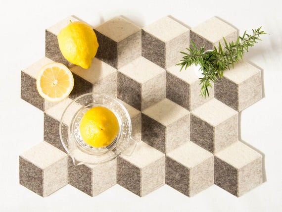 Light grey felt placemats / wool felt placemats / geometric placemats / wool felt / handmade / nordic design / modern home accessories