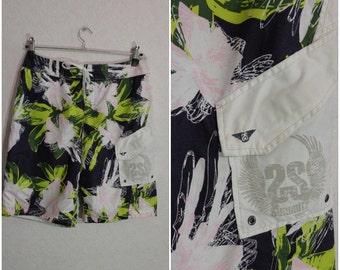Floral shorts ,SUMMITZ Size Large