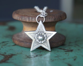 Solid Silver Antique Ornate Star Necklace