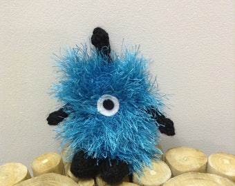 Covfefe Squared Monster-- Simple Amigurumi Knitting Pattern