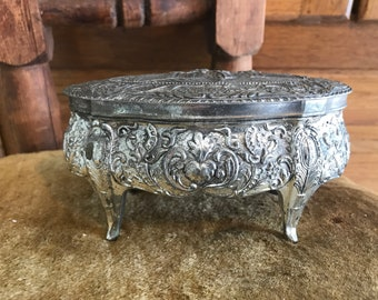 Vintage silver plated jewelry box. Jewelry caskets.