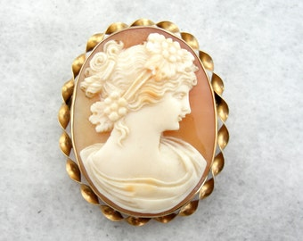 Classical Cameo Brooch with Lovely Workmanship, Simple Frame Q5YUFA-N