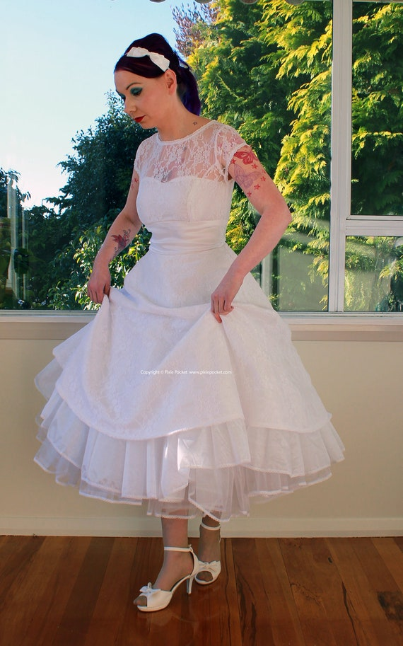 1950s Rockabilly Wedding Dress Lacey With Lace Overlay Sweetheart Neckline Tea Length Skirt And Petticoat
