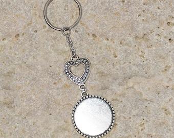 Medium round cabochon 25 mm key ring