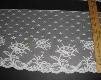 "8"" wide Cream lace trim 5 yds   (6099)"