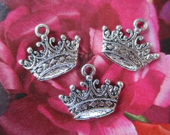 10 Antique Silver crown charms jewelry making supplies royal pendants 24mm x 17mm lead free A155 (SR3)